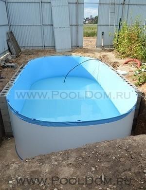 Разглаживание складок и наполнение бассейна